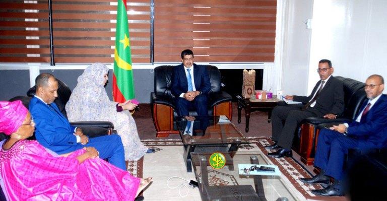 وزير الثقافة يستقبل رئيسة وأعضاء سلطة تنظيم الإشهار